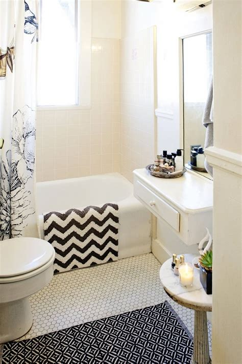 Rental Apartment Bathroom Ideas by 91 Best Rent Vintage Tables Images On