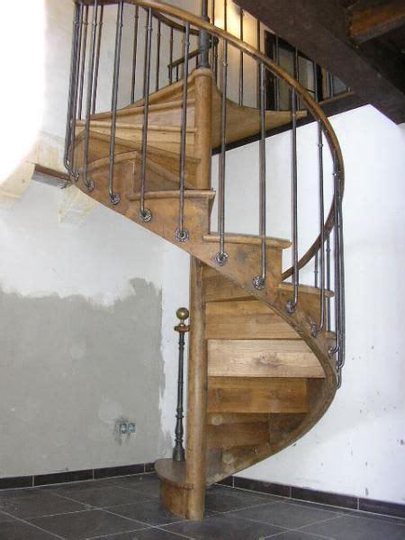 escalier en colimaon en bois les 25 meilleures id 233 es de la cat 233 gorie escalier colima 231 on sur escalier en colima 231 on
