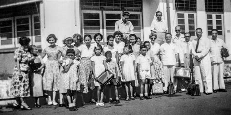 arrivano  missionari  galaad biblioteca  watchtower