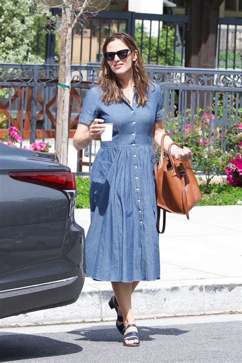 jennifer garner   blue dress   church
