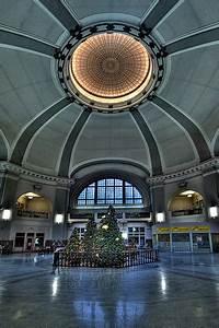 Union Station's Big Balls - Winnipeg Love Hate