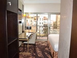 hotel fleur de lys plateau senegal With affiche chambre bébé avec sweat fleur de lys