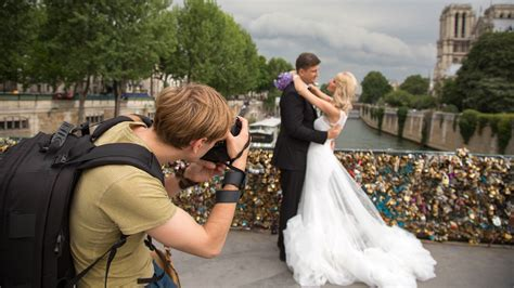 Things You Should Look At Before Hiring a Wedding Photographer | Singapore Local Service