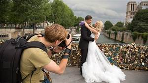 Things you should look at before hiring a wedding for How to be a wedding photographer