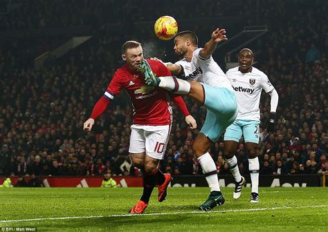 Manchester United 4-1 West Ham: Anthony Martial and Zlatan ...