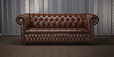 canap chesterfield marron la légende du canapé chesterfield terre meuble