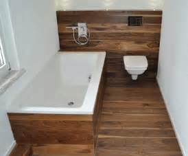 holzboden für badezimmer wohlfühlzentrum bad mit naturgeölten holzböden