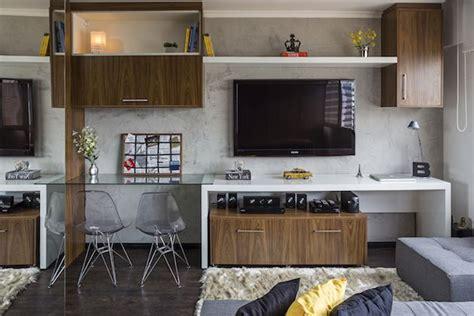 pack     square foot apartment