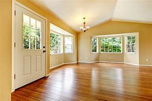 Large, Empty, Newly, Remodeled, Living, Room, With, Wood, Floor
