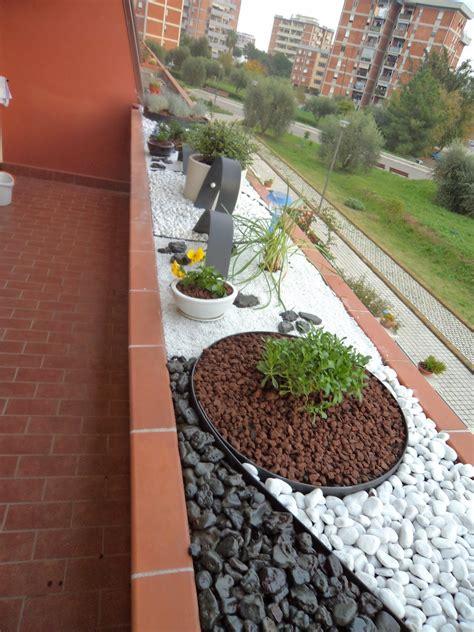 giardini con aiuole aiuole con sassi colorati