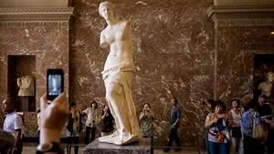 Give us back the Venus de Milo, Greeks tell Louvre   World ...
