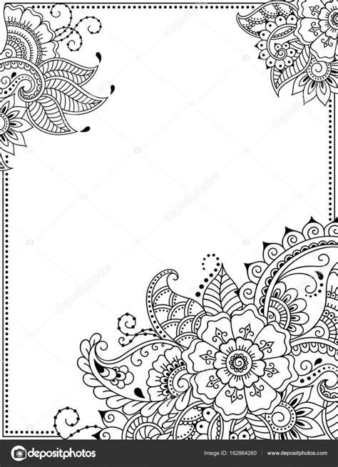 Gestileerde met henna tatoeages decoratief patroon voor het verfraaien van covers voor boek