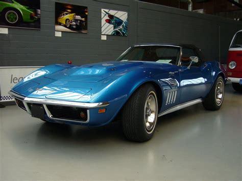 1972 C3 Corvette  Image Gallery & Pictures