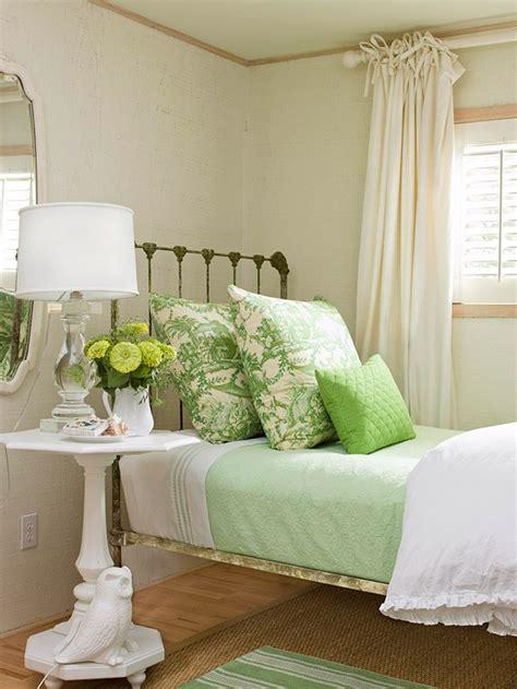 44 Wonderful Springinspired Bedroom Decorating Ideas