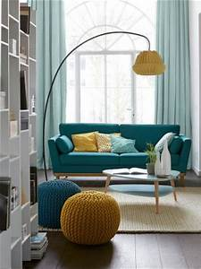 deco salon canape style vintage des annees 1950 With tapis de couloir avec canapé bleu canard scandinave