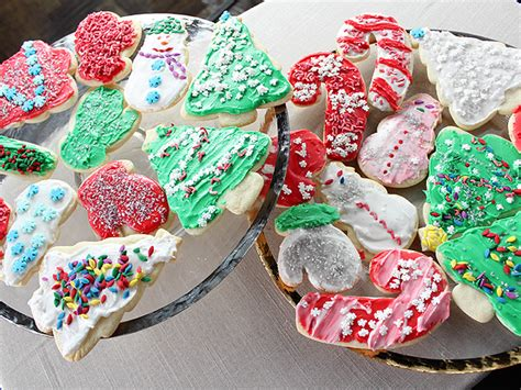 These are not complicated with tricky. Trisha Yearwood's Iced Sugar Cookies - Trisha Yearwood ...