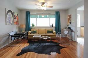 tapis salon tendance en 55 idees de formes tailles et With tapis peau de vache avec canapé droit convertible scandinave