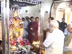 Narendra Modi visits Kali temple in Dakshineswar, performs ...
