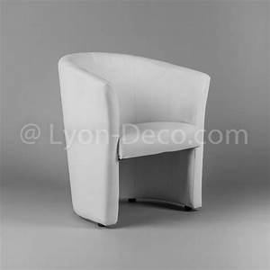 location fauteuil club blanc pour vos stands confrence With deco cuisine pour fauteuil club