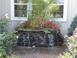 Small water fountains for gardens garden decor lovely for Backyard water features for small yards