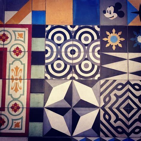 Mural con mosaico. Venta de piso de pasta. México https