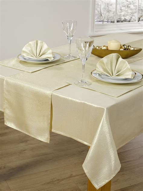 table cloth setting 14 piece christmas table cloth linen set napkins runner placemats 52 quot x 72 quot 90 quot ebay