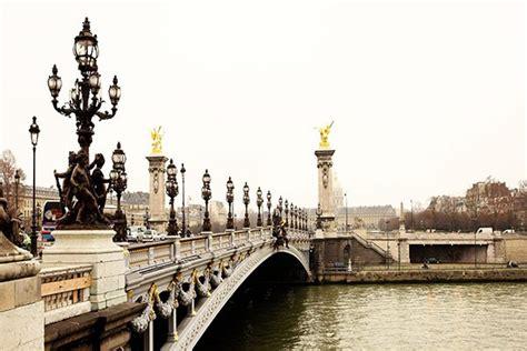 tableau contemporain pont paris izoa