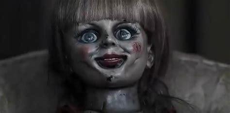 Horror Puppe by Annabelle Die Horror Puppe Aus The Conjuring Startet Im