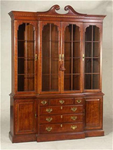 henredon chippendale style china cabinet