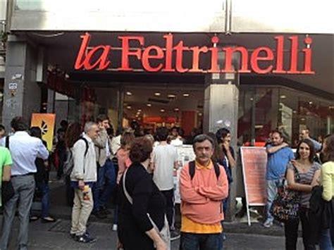 libreria piazza della repubblica roma allarme incendio evacuata la feltrinelli di piazza dei