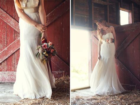 Barn Wedding Dresses :  Barn Dust And Wedding Dresses