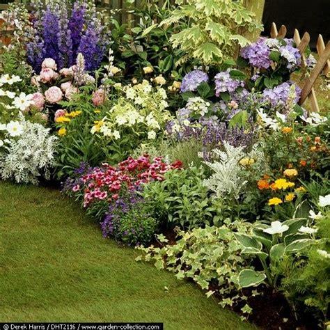 flower bed layouts hosta garden layout ideas google search hostas pinterest hosta gardens google search