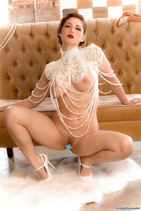 Carlotta Champagne Vintage Vixen Naked Zipsets