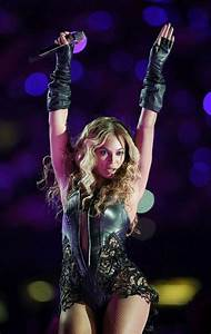 Fiercest Moments From Beyoncé's Halftime Show - Barnorama