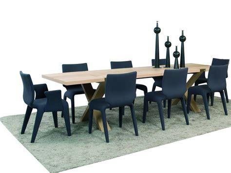 le corbusier canape table et chaises salle a manger roche bobois