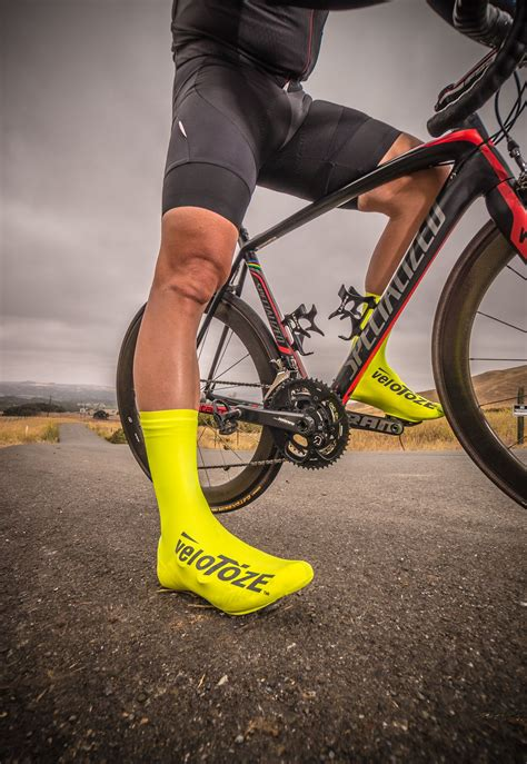 waterproof bike wear waterproof cycling shoe covers by velotoze www velotoze