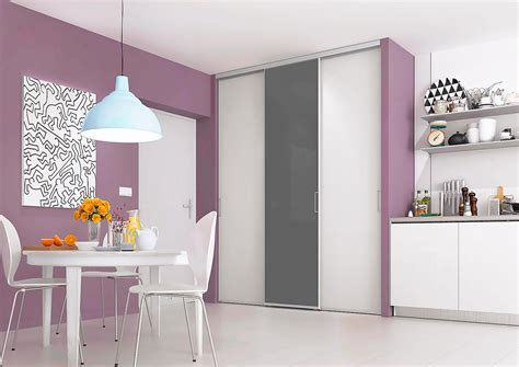 porte de placard cuisine portes de placard coulissantes de cuisine sur mesure