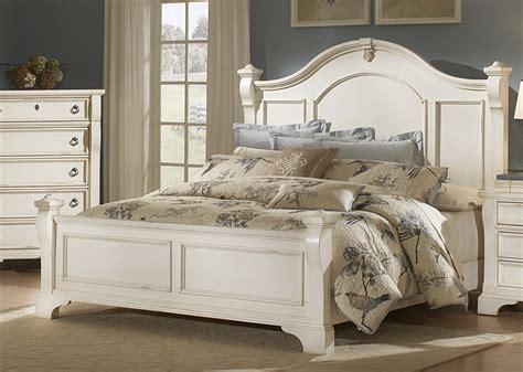 White Wood Bedroom Furniture   Raya Furniture