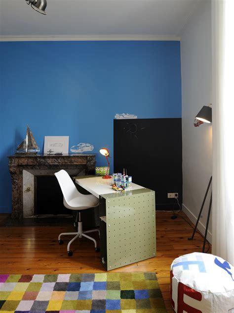 peinture bleu chambre décoration d 39 un château la chambre de garçon exemple de réalisation de décoration