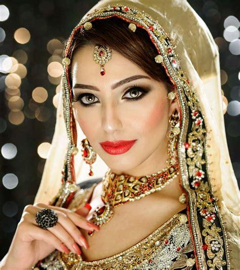 bridal makeup artists  delhi  famous