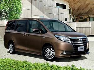 Toyota Noah Technical Specifications And Fuel Economy