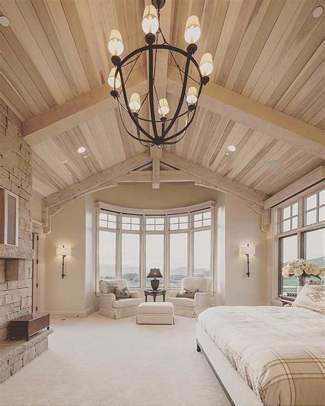 Chandelier Bedroom by Master Bedrooms With Breathtaking Chandeliers Master