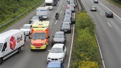 Rettungsgasse Neue Regel by F 252 R Rettungsgassenblockierer Wird S Jetzt Teuer Mdr Jump