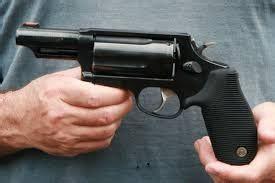 movies criminals     sawed  shotguns