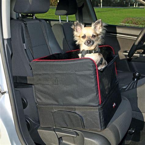 siege lit siège de voiture noir et lit de voyage petit chien pour le transport de petit chien ou sur