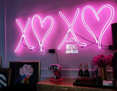neon lights for bedrooms 20 cool neon signs for your home 16504 | Antonino Buzzetta Holiday House 2015 Neon XOXO sign 800x623