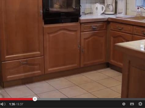 restaurer cuisine moderniser une cuisine en bois relooking duune
