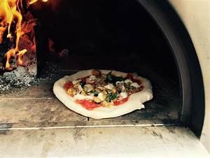 Four A Bois Pizza Professionnel : four pizza feu de bois pizza oven houtgestookte oven ardennen locajeux votre partenaire ~ Melissatoandfro.com Idées de Décoration