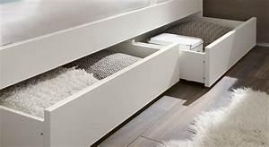 Bett Unterm Fenster : betten mit aufbewahrung haus dekoration ~ Frokenaadalensverden.com Haus und Dekorationen