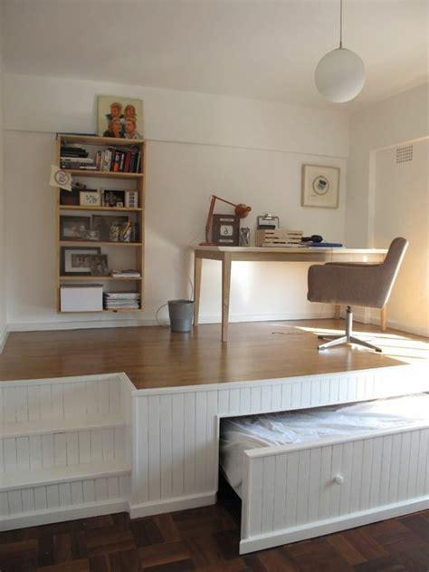 place du lit dans une chambre les 17 meilleures idées de la catégorie lit gain de place
